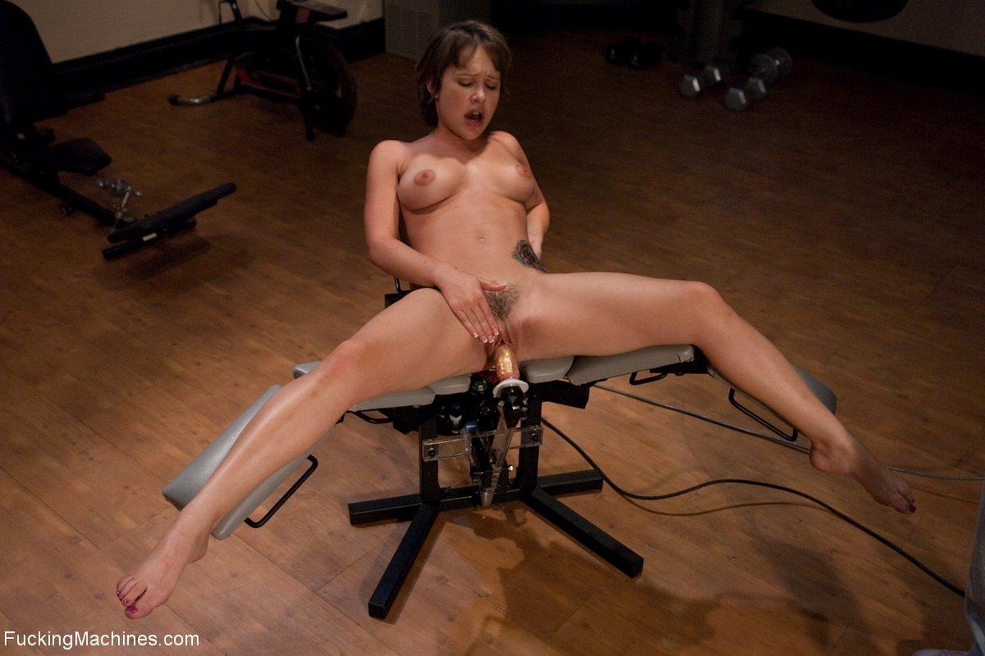 худенькая гимнастка оргазм секс-машина