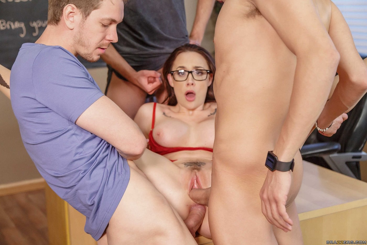 Free Hq Mom Teen College Student Gets Fucked By Older Milf British Big Tits Teacher Porn Photo