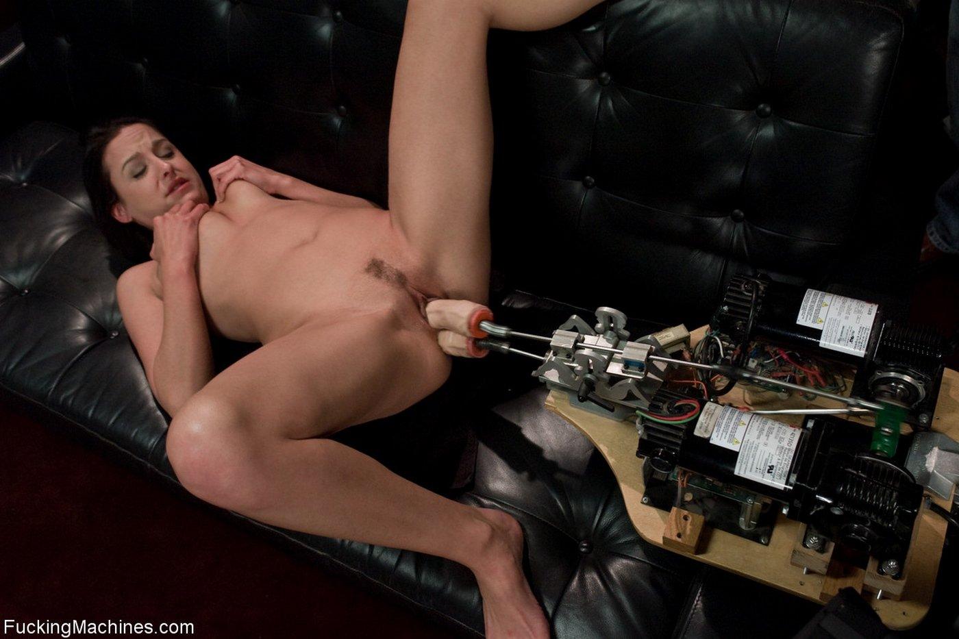 каким секс машина с двумя дырками пока