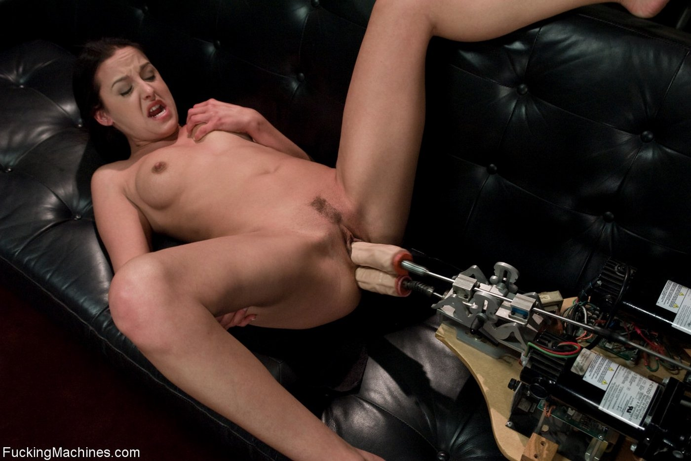 Девушки получают оргазм от секс машин #6